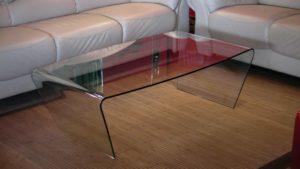 маса от огънато стъкло